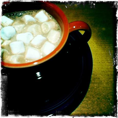 ホットチョコレートとマシュマロ