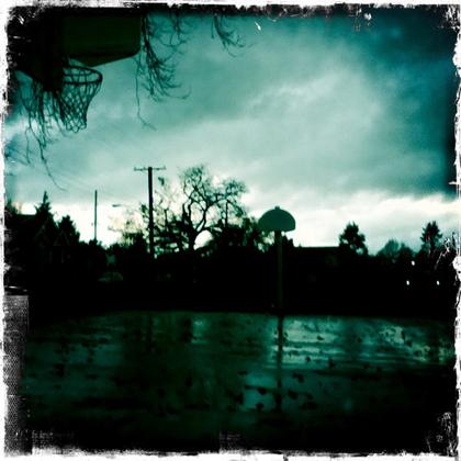 雨上がりの校庭