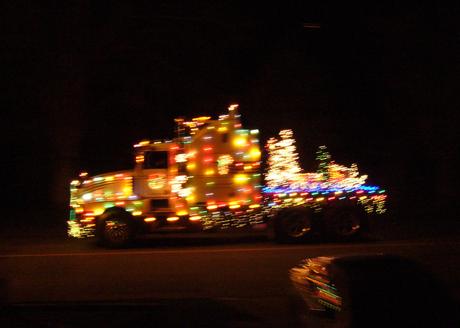 クリスマストラックパレード