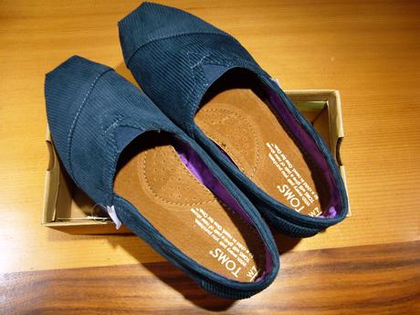 TOMSの靴